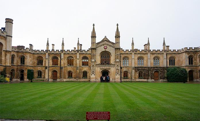 罗伊教育正式获得剑桥国际教师职业发展(PDQ)资格认证中心牌照